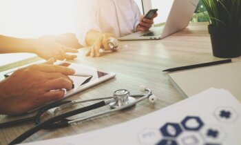 Rēzeknes slimnīcas lieta: ārsta rīcība nav atbildusi profesionālajās vadlīnijās rekomendētajam