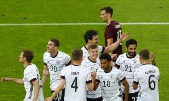 Latvijas izlase sabojā svētkus Noieram, bet ielaiž septiņus vārtus pret Vāciju