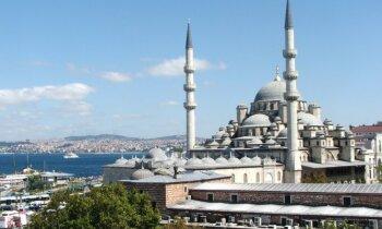 Mošejas un augstceltnes. Piezīmes no Stambulas