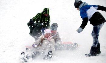 Latvijai nograuzti pieci hektāri zemes; tuvojas sniegputenis. Šorīt svarīgākais vienkopus