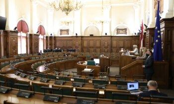 CSN pārkāpumi un neatļauta amatu savienošana — par ko siltajā laikā sodīti deputāti