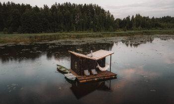 Pašu rokām uzcelt ekobūvi. Peldošā pirts ezera viducī