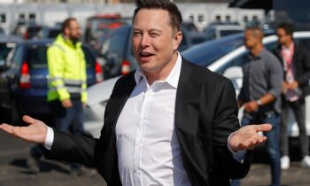 'Teslas' tirgus vērtība pirmo reizi pārsniedz 500 miljardus ASV dolāru. Ko par to saka analītiķi?
