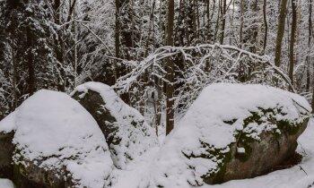 Apceļojot Latgali: brangais Trūpu Velnakmens sniegotajos Viļānos