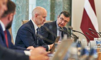 Valdība visu uzmanību koncentrēs uz vakcinācijas veicināšanu; ministrijas gatavo priekšlikumus