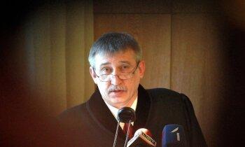Valsts amatpersonu korupcijas dienesta noziegumu skaits sarucis uz pusi, paziņo Kalnmeiers