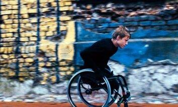 Manhetenas īsfilmu festivālā labākā aktiera balvu iegūst 'Sarauj, Just!' Aleksandrs Ronis