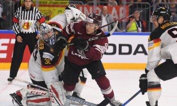Infografika: Latvijas hokejistu pēdējās kaujas drāma - skaitļi, fakti, citāti