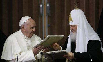 Папа и Патриарх на исторической встрече призвали мир сплотиться против террора