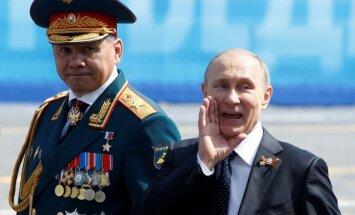 Krievija uzvedas kā Ziemeļkoreja, secina Lūkass