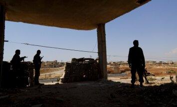 Pašnāvnieku uzbrukumā Sīrijas dienvidos bojā gājuši 38 cilvēki