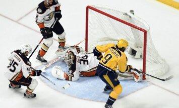 Anaheimas 'Ducks' izglābjas spēlē ar 'Predators' un izlīdzina rezultātu sērijā