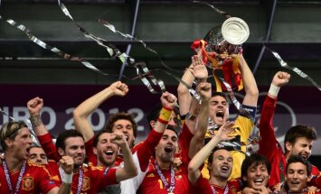 Spānijas futbolisti trešo reizi triumfē Eiropas čempionātā