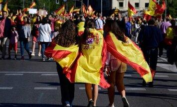 Foto: Spānijā demonstrācijās pieprasa valsts vienotību un dialogu