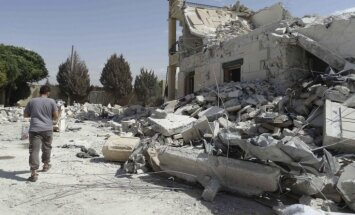 Novērotāji: Krievija Sīrijā būvē lidlauku