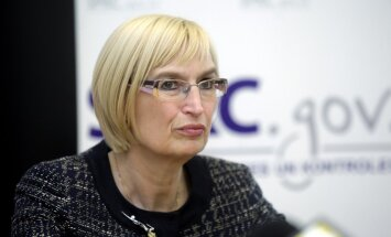 Veselības finansēšanas likumprojekta normas nemotivēs maksāt sociālo nodokli, pārliecināta Circene