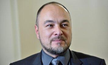 Правительство одобрило идею Парадниекса о повышении акциза на сигариллы