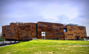 Gdaņskas aprūsējušais arhitektūras brīnums par 80 miljoniem saistoši māca vēsturi