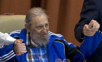 90 gadu vecumā miris Fidels Kastro