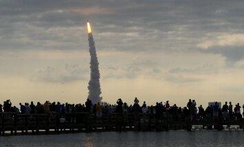 Ķīna pirmdien grasās palaist kosmosa kuģi