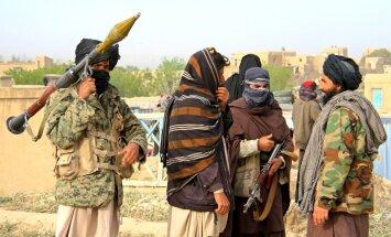 Krievija stiprina saites ar saviem Afganistānas kara lielākajiem ienaidniekiem talibiem