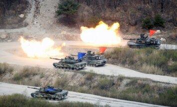 Video: Amerikāņi un dienvidkorejieši iznīcina uzzīmētus tankus