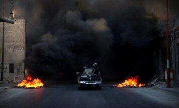 Alepo ieņem degošas gumijas smaka: opozīcija dodas pārraut aplenkumu