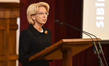 Deportācijas bija viens no baisākajiem noziegumiem pret Latvijas tautu, vērtē Mūrniece