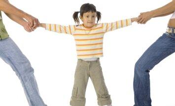 Bērnu psihiatrs: Vecāku šķiršanās gadījumā zelta atslēdziņa uz bērna sirdi - patiesība
