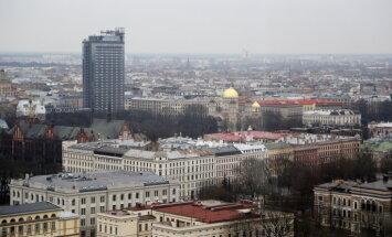 Degoša kafijas automāta dēļ evakuē 150 viesnīcas 'Latvija' apmeklētājus