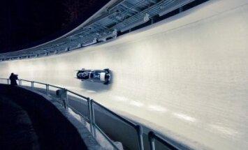 Amerikāņiem uzvara pasaules čempionāta bobslejā un skeletonā komandu sacensībās