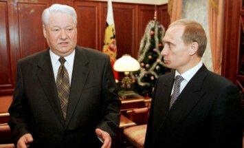 Putins nevēlējās kļūt par prezidentu, atklāj bijušais 'Kremļa kasieris'