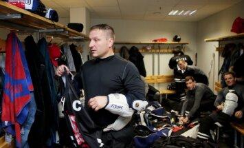 Foto: Kasparaitis 41 gada vecumā debitējis Lietuvas hokeja čempionātā