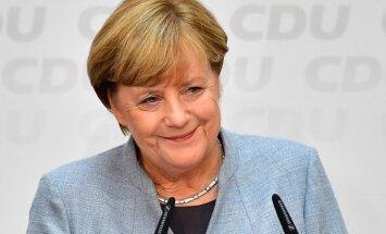 Merkeles konservatīvie sāk koalīcijas veidošanas sarunas ar liberāļiem un 'zaļajiem'