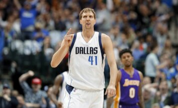 Dirks Novickis kļuvis par NBA rekordistu — 21 sezona Dalasas 'Mavericks' vienībā