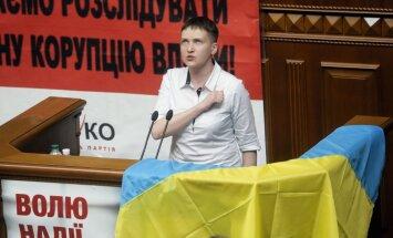Advokāts par Savčenko: Ukraina ieguvusi 'slimīgi godīgu' deputātu