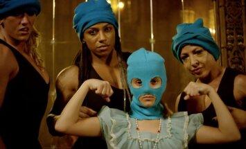 Noskaties! 'Pussy Riot' provocē feministiskā videoklipā