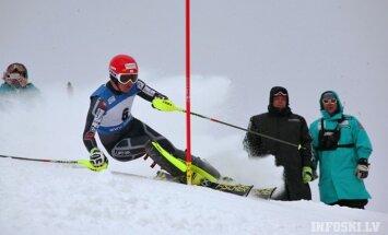 Zvejnieks Eiropas kausa posmā slalomā iekļūst labāko četrdesmitniekā