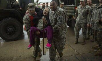 Karavīru skaits palīdzības operācijās Teksasā ievērojami pieaugs, apgalvo Pentagons