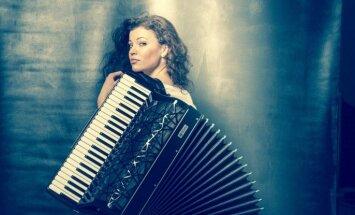 Izziņo 'akordeona princeses' Ksenijas Sidorovas jubilejas koncertu