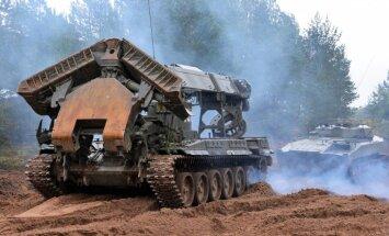 NATO satraukta par 'Zapad' manevru necaurskatāmību
