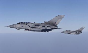 Lielbritānija un Spānija iesaka šobrīd nesniegt militāru palīdzību Ukrainai