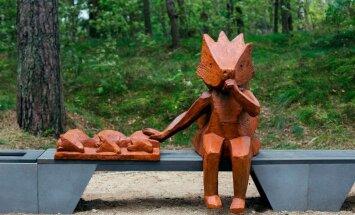 Panda, ezis un citi zvēri. Vai zini, kur Latvijā apskatīt šīs mīlīgās dzīvnieku skulptūras?