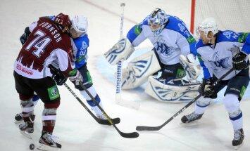 Rīgas 'Dinamo' rezultatīvā spēlē uzvar 'Ņeftehimik' hokejistus