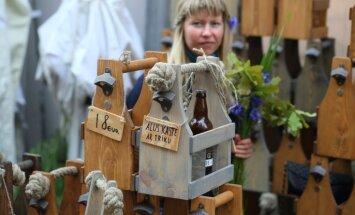 Foto: Lustes un svētku labumi tradicionālajā Zāļu tirdziņā