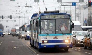 Общественный транспорт в столице в пятницу курсирует бесплатно