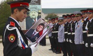 Putinam lojālais Kadirovs pikts par Čečenijas finansējuma samazinājumu