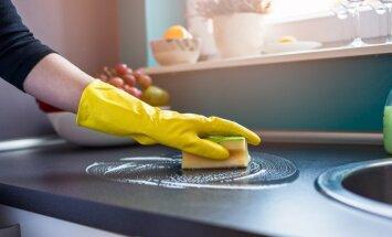 10 virtuves uzkopšanas darbi, kas paveicami minūtes laikā
