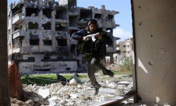 Krievija bombardē ASV atbalstītus nemierniekus Sīrijā, paziņo amatpersona