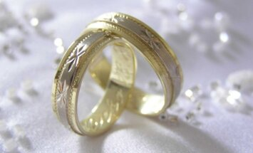 Однополые браки: суду придется разрешить коллизию